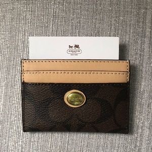 Coach classic cardholder. Never used new w/o tag